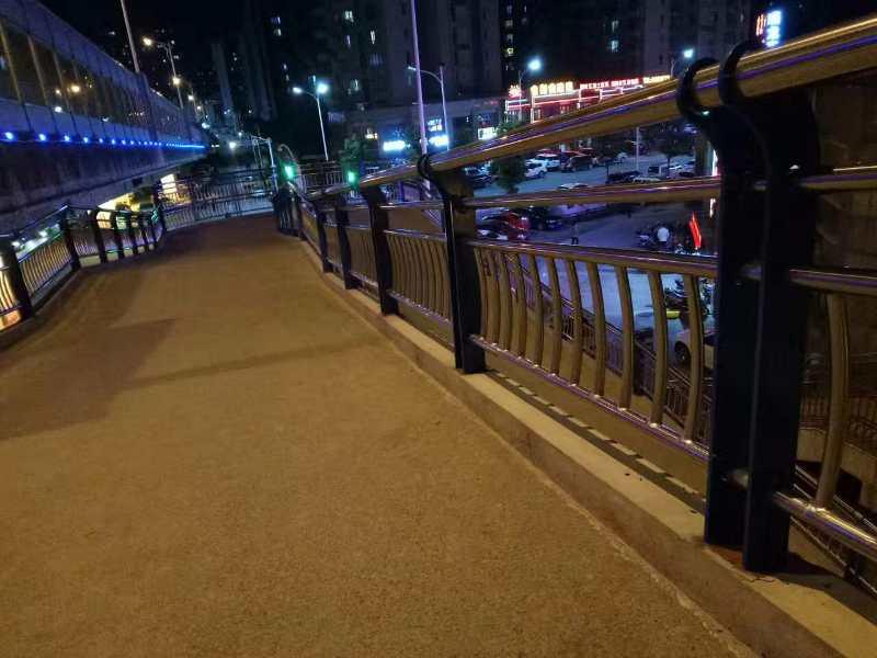 不锈钢桥梁护栏